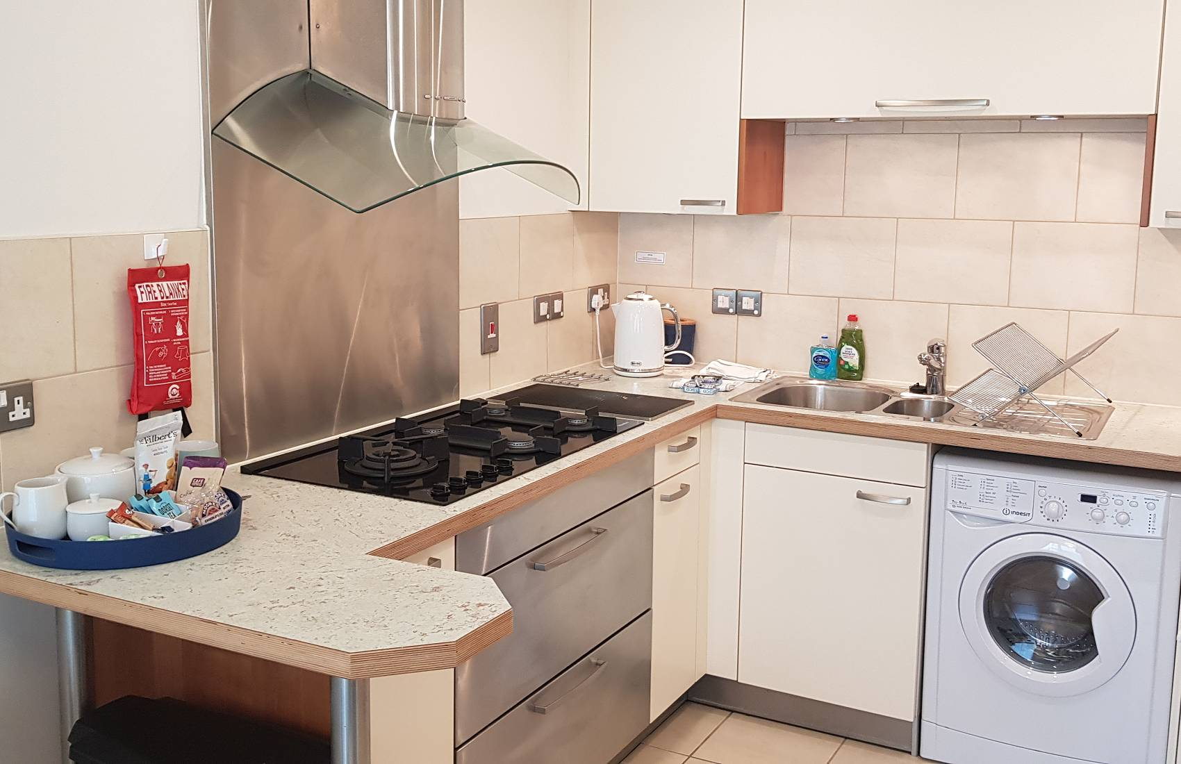 Miele Fitted Kitchen - Reflections Holiday Apartment, Poole Harbour