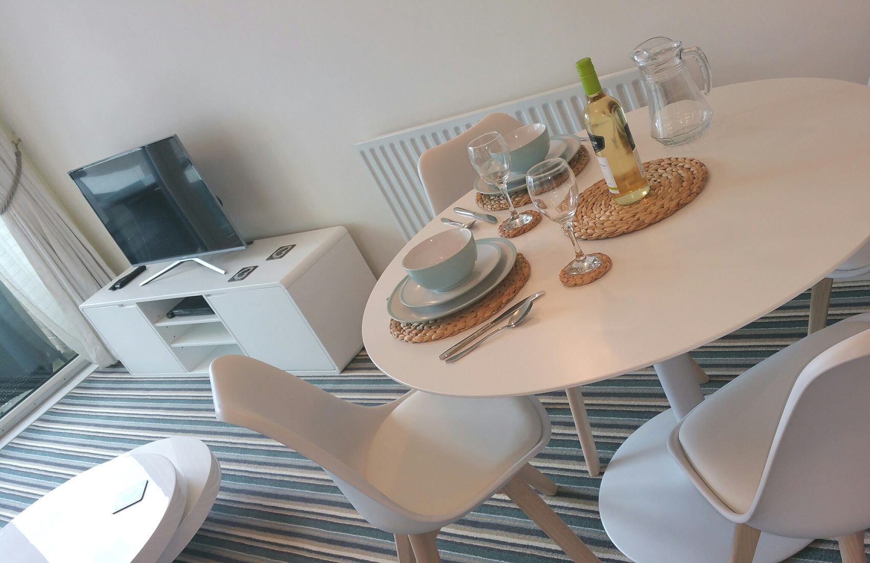 Lounge and Dining - Reflections Rental Apartment, Dolphin Quays